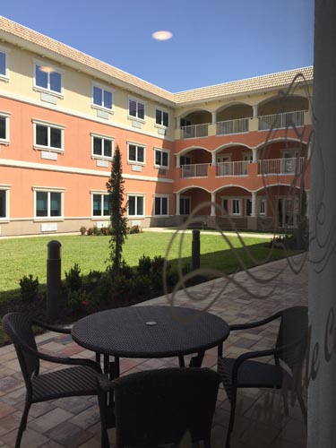 Heritage Waterside ALF Daytona Beach Courtyard