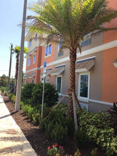 Heritage Waterside ALF Daytona Beach Exterior of building side and vegitation